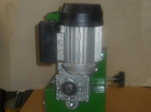 masina-za-ciscenje-lesnika-p80
